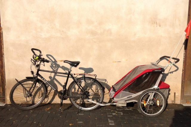 Lastentransport im Alltag: Fahrradanhänger Thule