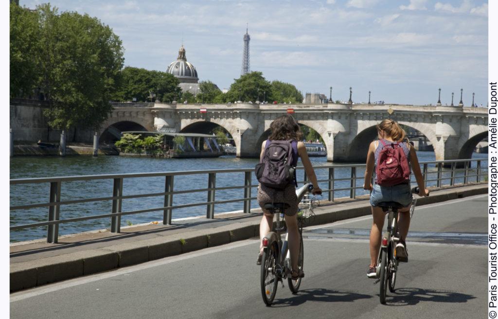 Radfahren an der Seine in Paris